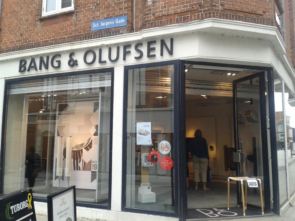 Bang & Olufsen é uma das empresas dinamarquesas mais conhecidas no mundo, com seus produtos de tecnologia e design. Na foto, a fachada de uma das lojas na Dinamarca (Foto: arquivo pessoal)