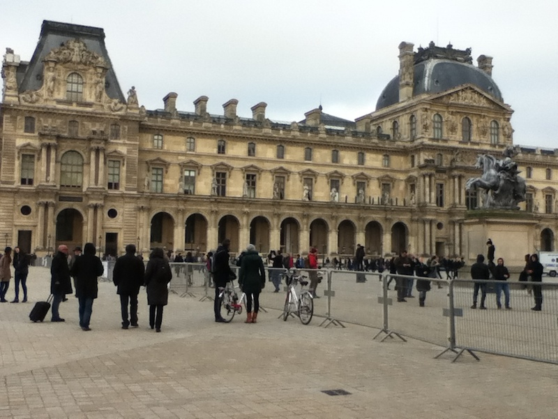 R- Louvre