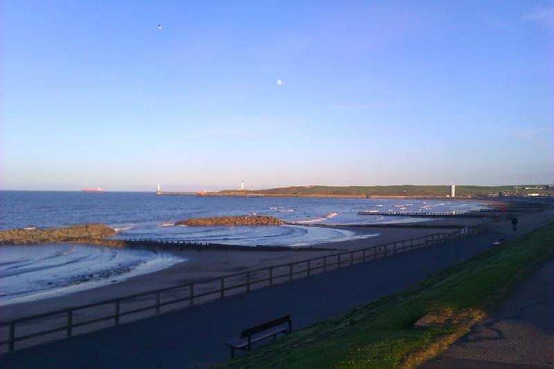 Praia de Aberdeen, 20h30.