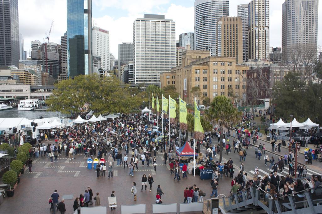 Foto do Aroma Festival, o festival do café em Sydney. Os australianos aproveitam ao máximo a vida ao ar livre.