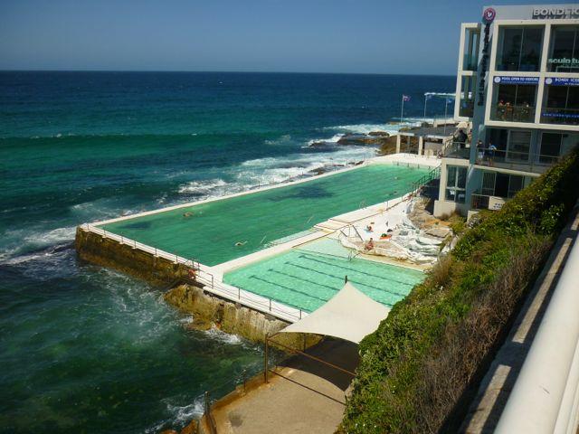 Piscina com a água do mar, Bondi Beach.
