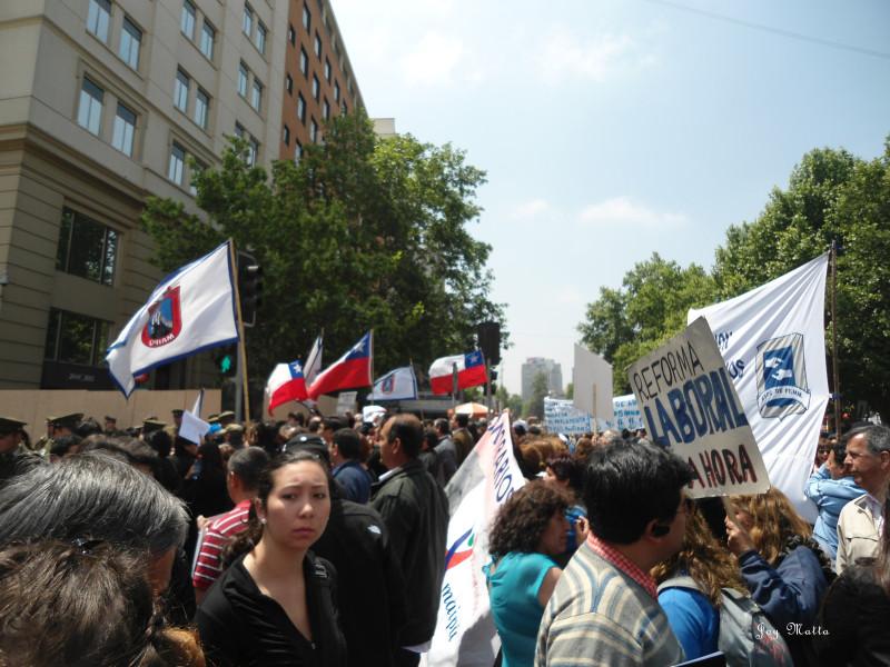Protestos são pão de cada dia nas ruas de Santiago