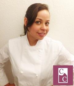 Ivandra e o logo da Carioca Cakes