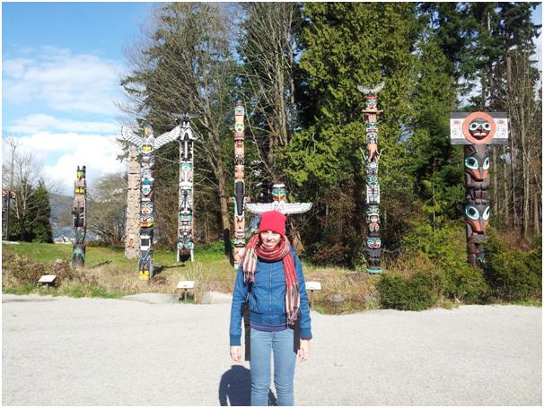 Esculturas de madeiras chamadas de Totens feitas pelo povo nativo do Canadá. Foto tirada no Stanley Park, situado no centro de Vancouver.