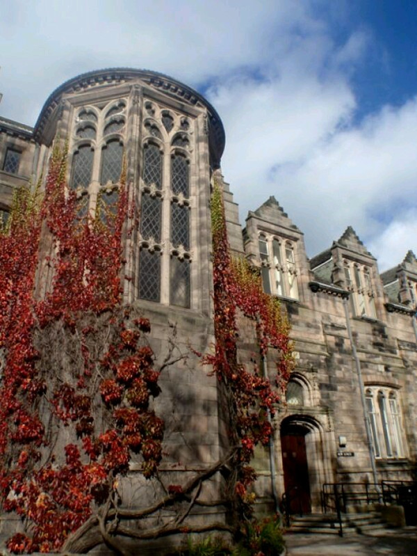 University of Aberdeen (crédito: https://www.facebook.com/ScotlandPastAndPresent)