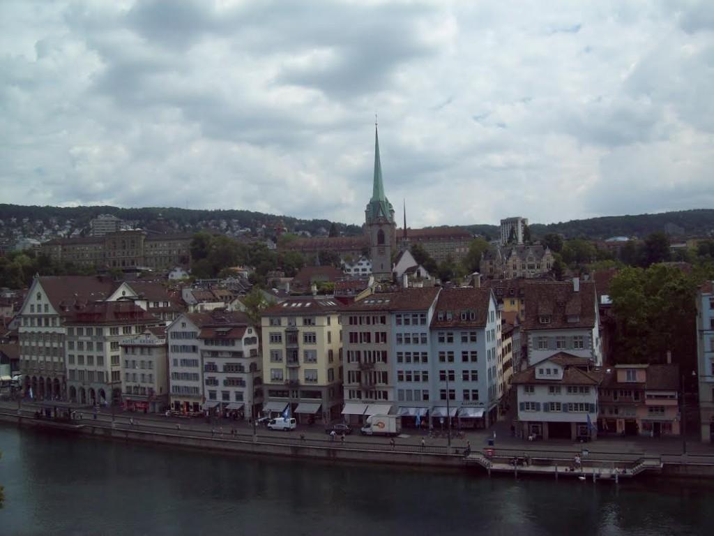 Rio Limmat. Vista imperdível de Zurique