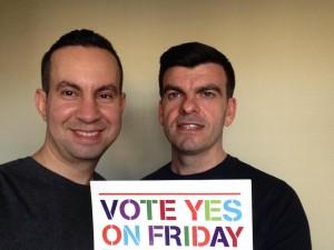 Tony e Michael fizeram campanha pelo Yes nas redes sociais. Não temos nada planejado ou discutido sobre isso, mas fico feliz em saber que agora, como qualquer outro casal, poderemos planejar desde a proposta até a cerimônia, e criar um dia especial em nossas vidas quando sentirmos que é o momento.