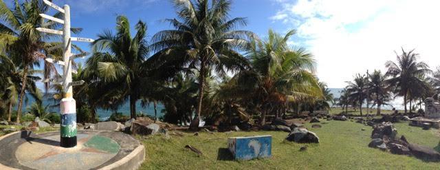 Farol de Cape 3 Points, o ponto mais ao sul de Gana, com latitude 0, longitude 0 e altitude 0, portanto perto de lugar nenhum