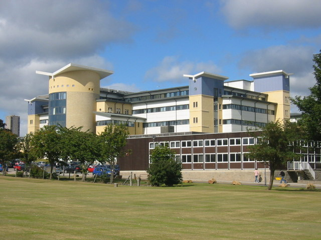 Royal Aberdeen Children's Hospital (crédito: Donald Thomas - http://www.geograph.org.uk/photo/230551 - CC BY-SA 2.0)
