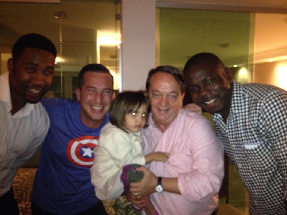Dr Fábio recebendo dois dos netos do saudoso Nelson Mandela, no Brasil. Eles vieram dar apoio a campanha Zero Discriminação.