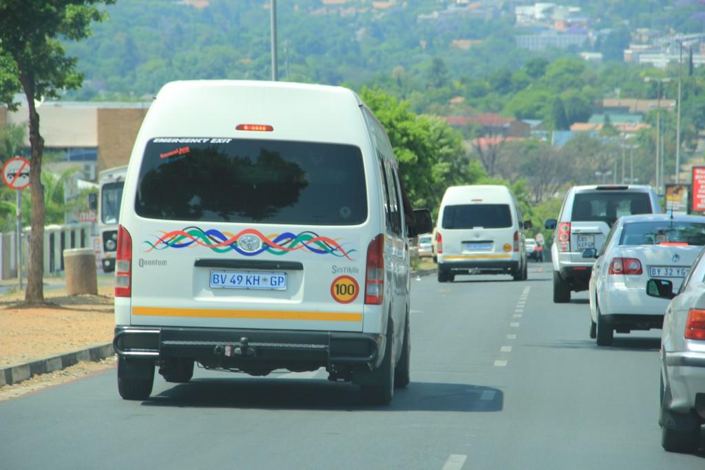 Taxi circulando por Joanesburgo (Foto: M. Braga)