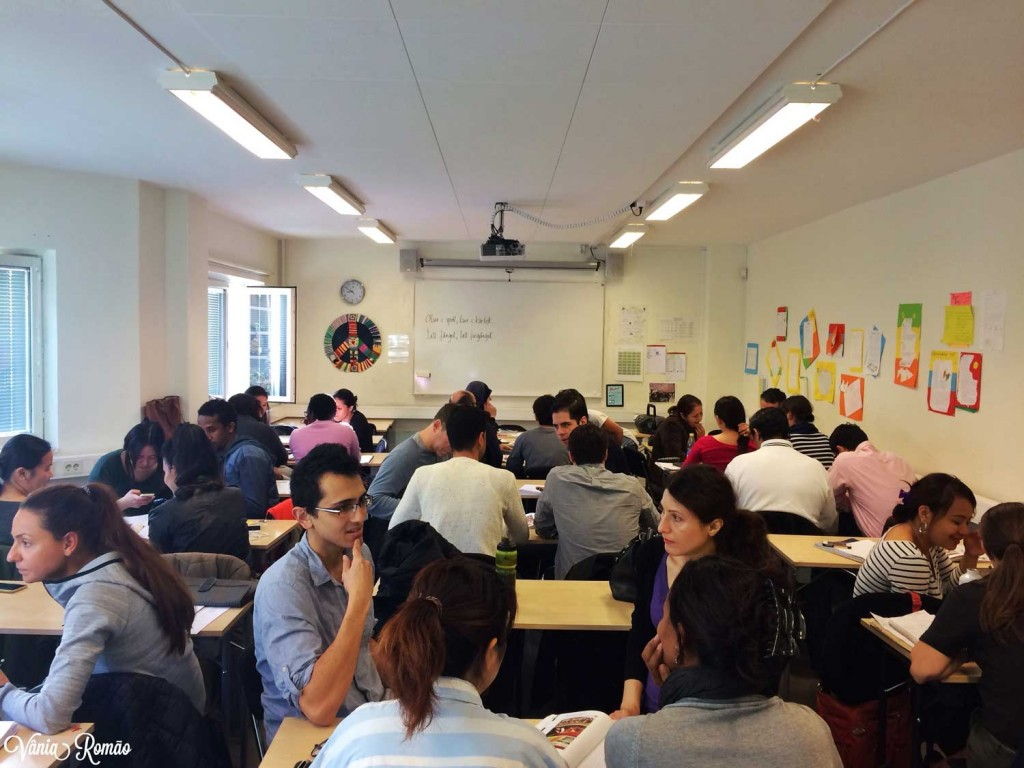 Sala de aula na Folkuniversitetet em Estocolmo
