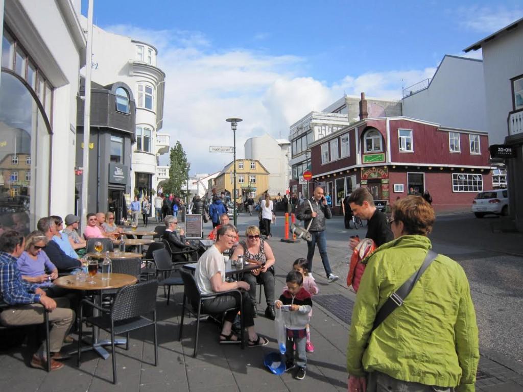 Islandes têm sempre um sorriso aberto para crianças.