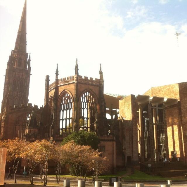 Catedral de Coventry. Bombardeada na Segunda Guerra. Foto de arquivo pessoal