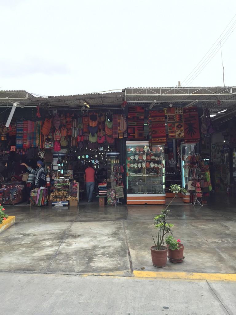 Mercado Inca, na Avenida Petit Thouars, em Miraflores.