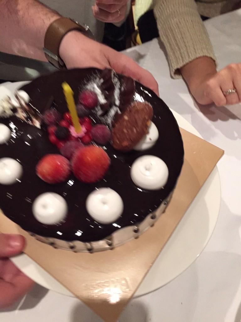 Meu bolo de sorvete surpresa. Nhami