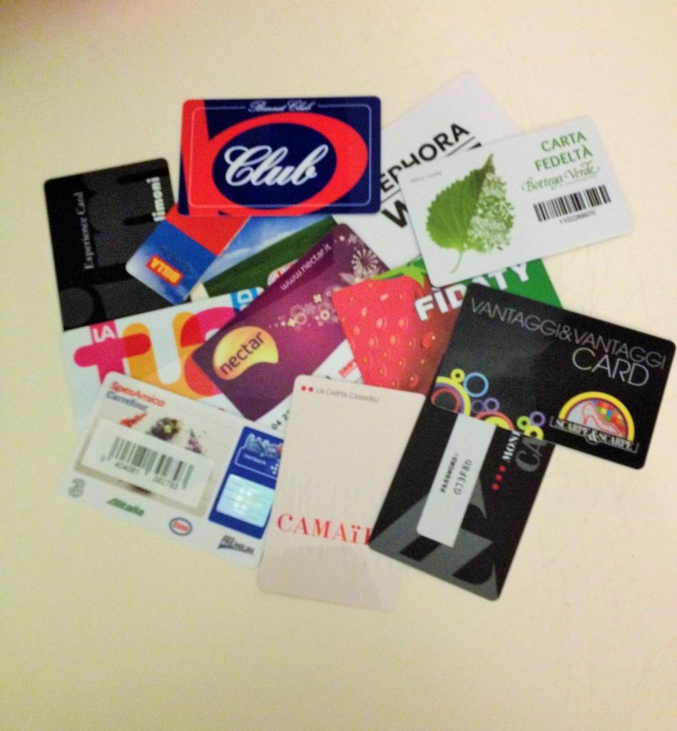 Cartões fidelidad. Acho que terei que comprar outra carteira!