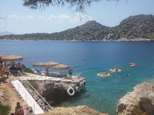 Agistri: a uma hora de distância de Atenas