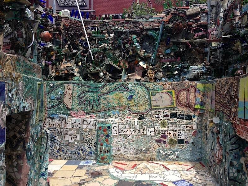 O trabalho sensível e emocionante de Isaiah Zagar no imperdível Magic Gardens