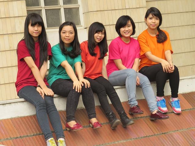 girl-928346_640
