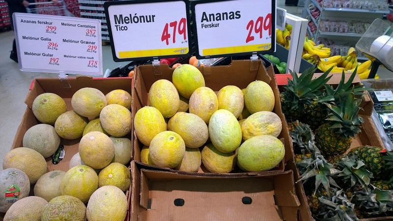 Frutas tropicais são um pouco mais cara que a tradicional maçã, por exemplo.
