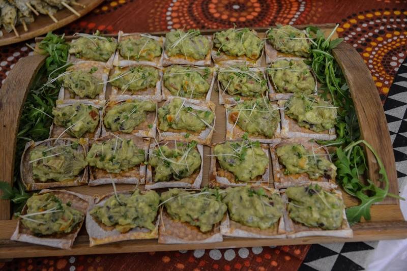 casquinhas crocantes com guacamole