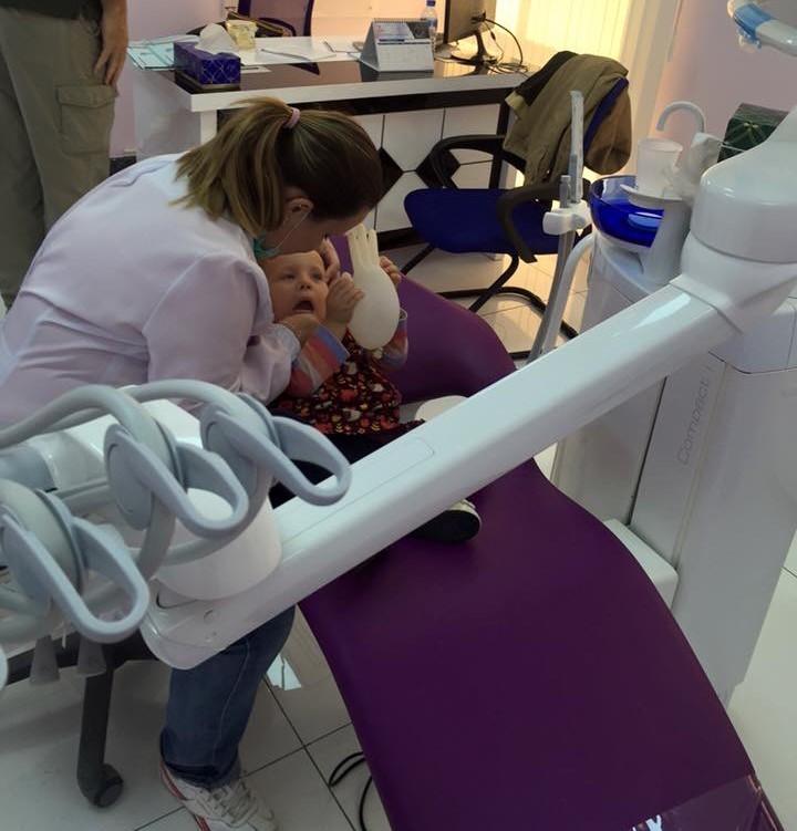 Mariana atendendo sua paciente favorita : Sofia =)