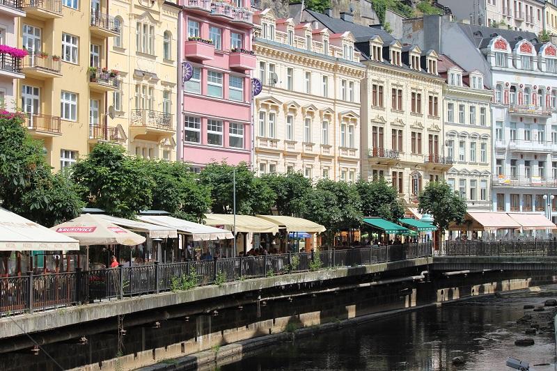 Karlovy Vary no verão durante o festival de cinema. Foto: acervo pessoal.