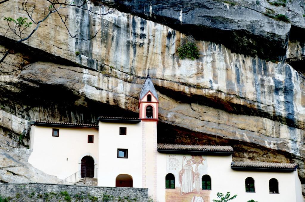 eremo de San colombano, perto de Rovereto, Trentino