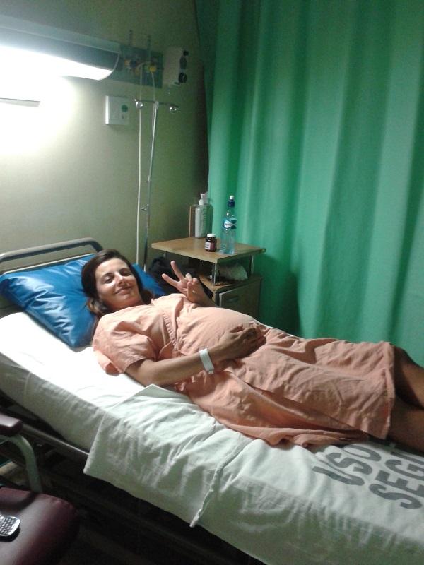 Luciana no hospital sendo monitorada