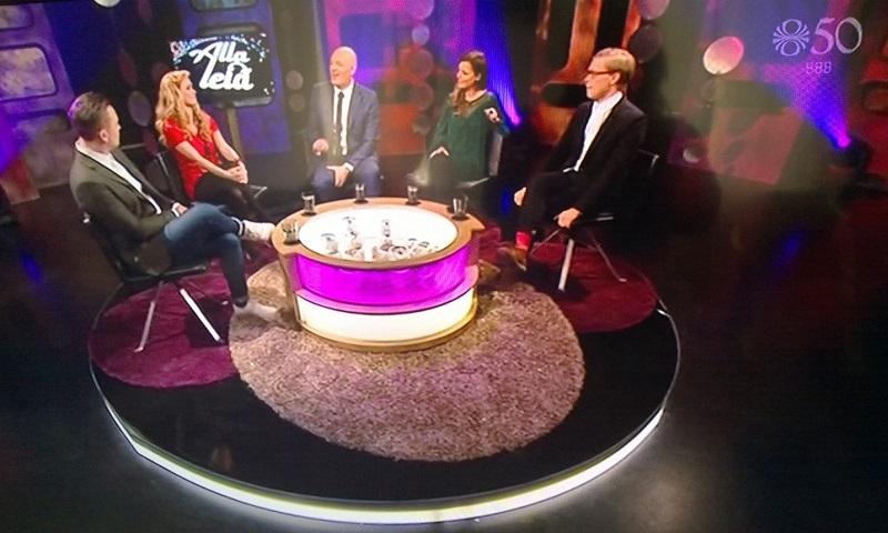 Mesa redonda com especialistas islandeses para análise das canções participantes do Eurovision. Programa exibido aos sábados à noite na TV pública daqui.