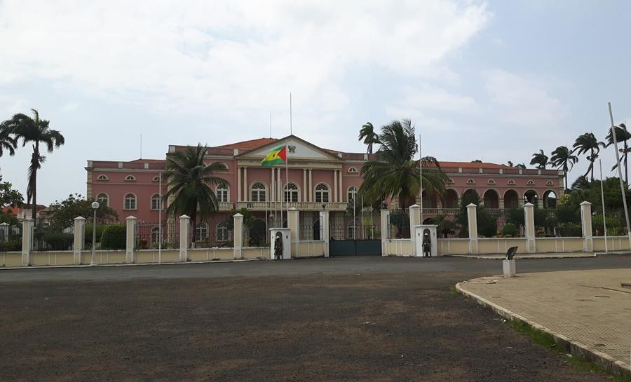 Palácio do Governo de São Tomé e Príncipe, África.