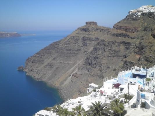 Santorini é cenário de casamento para casais do mundo todo