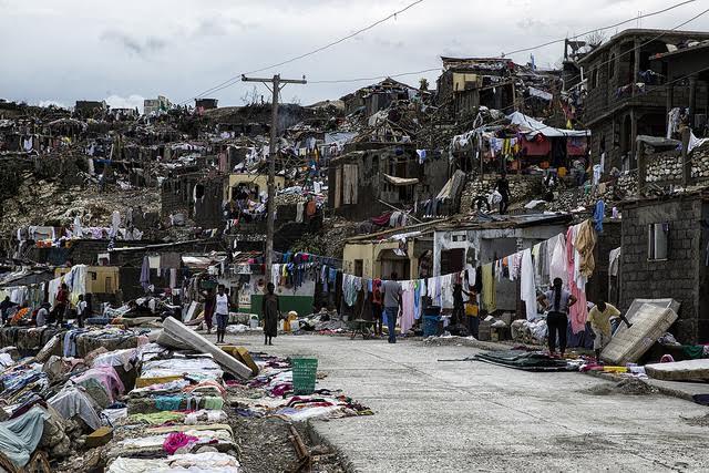 Uma das fotos que mais me impressionou, da cidade de Jeremie. Crédito: Logan Abassi