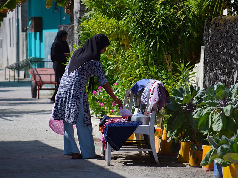 O dia a dia das mulheres locais. Foto: Lora Hoare