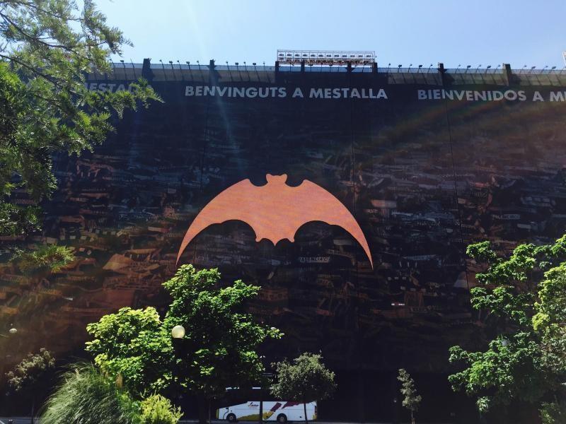 Morcego, símobolo do Valência, no estádio de futebol do clube (foto - acervo pessoal)
