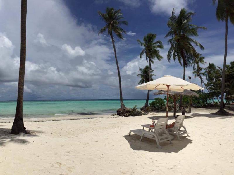 Praia privativa em uma das ilhas locais. Foto: Oscar Ignetik