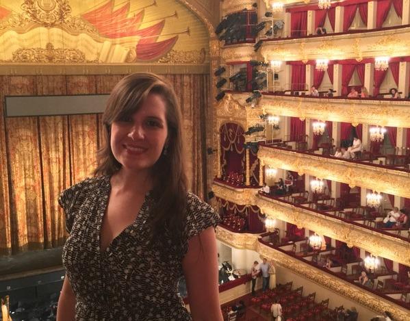 Eu em uma apresentação no Bolshoi: a agenda do teatro é agitadíssima