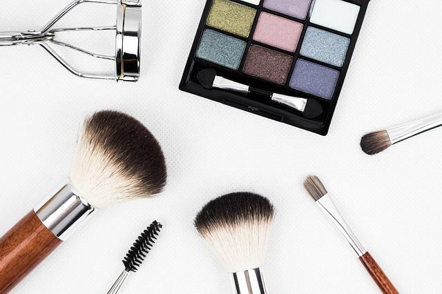 A indústria de cosméticos norte-americana - BrasileirasPeloMundo.com 2f4969bd2f