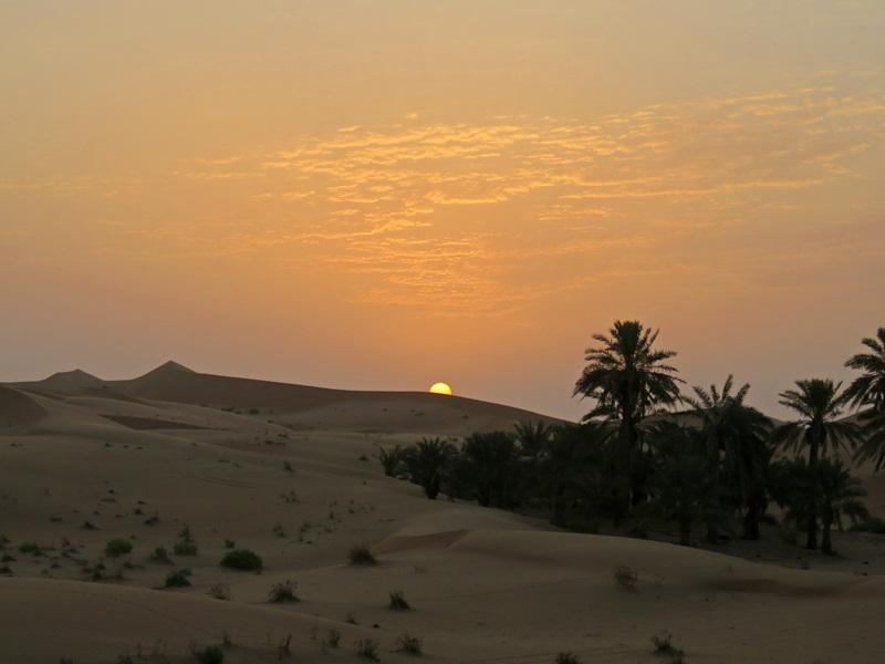 nascer do sol no deserto emirados árabes