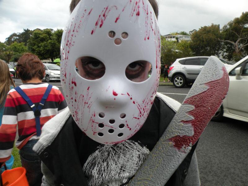 Menino vestido para o Halloween