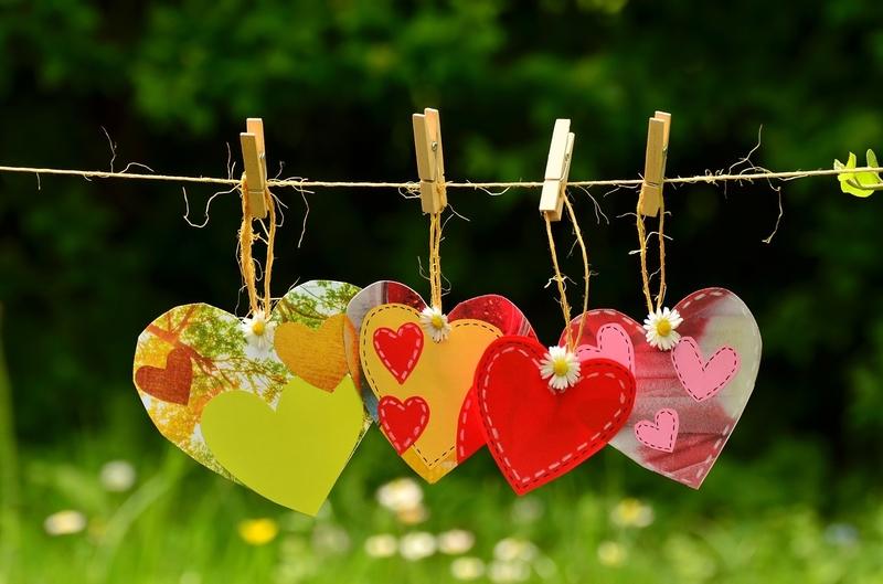 Resultado de imagem para amor e amizade celebrar
