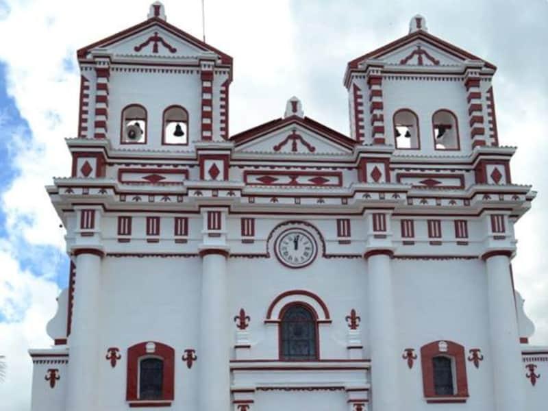 Igreja de Nuestra Señora del Carmen - Guatapé