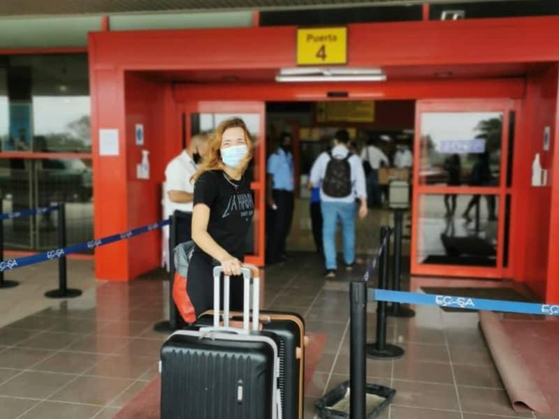 No aeroporto Jose Martir , Havana, Cuba. partindo para viver no Panamá
